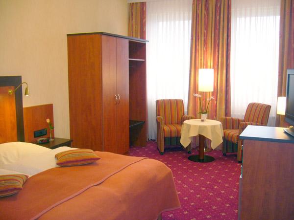 Zimmer Hotel Strandhalle 01
